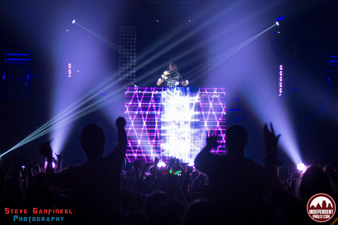 Pretty_Lights-16