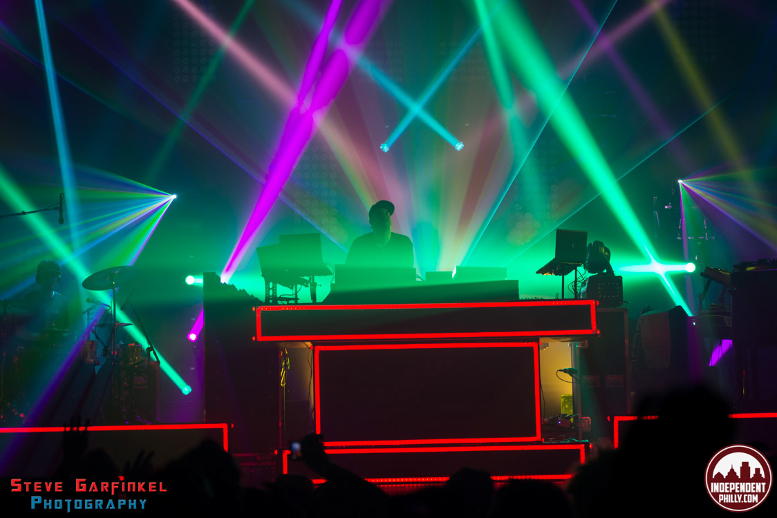 Pretty_Lights-221
