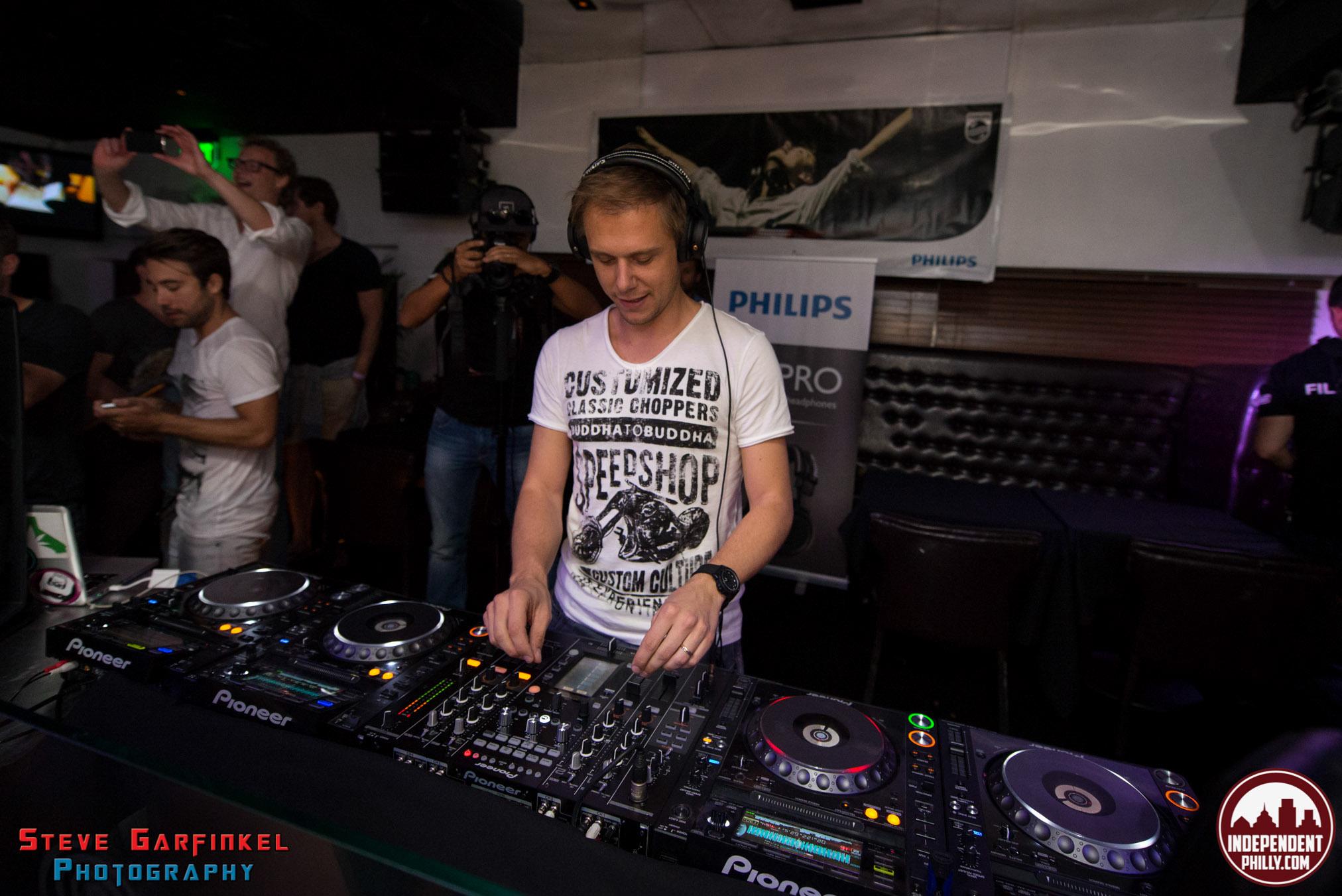 Armin-37