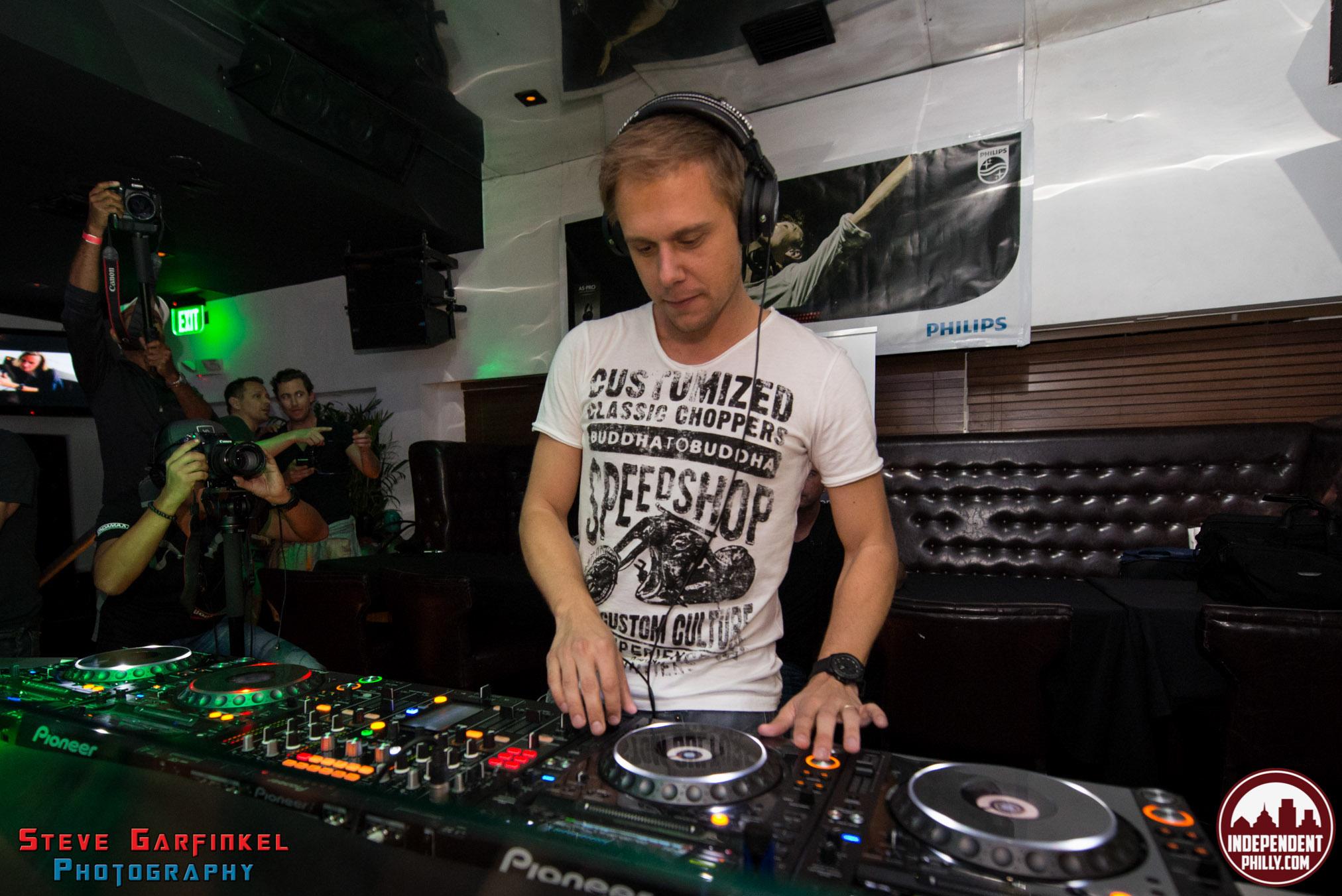 Armin-44