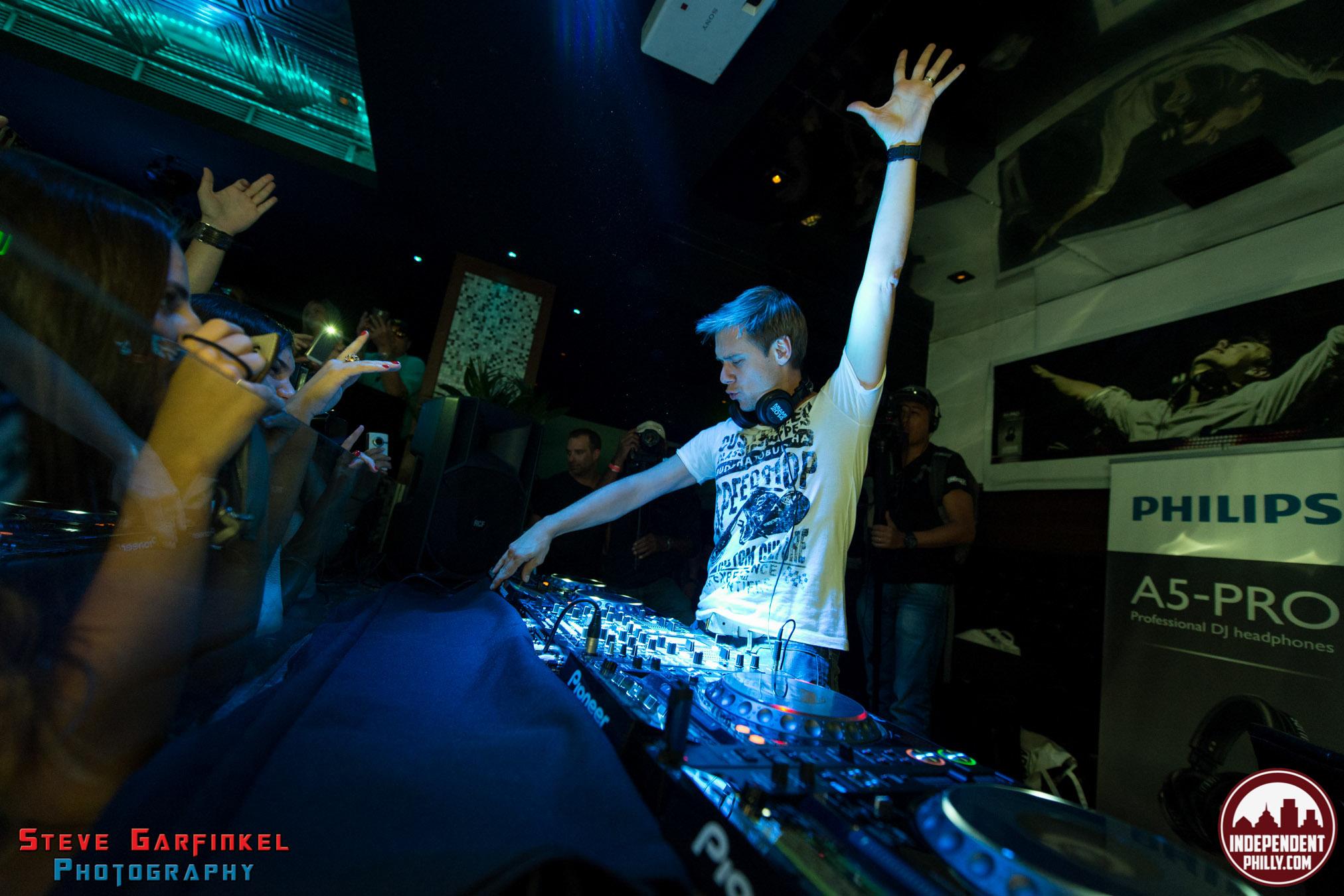 Armin-54