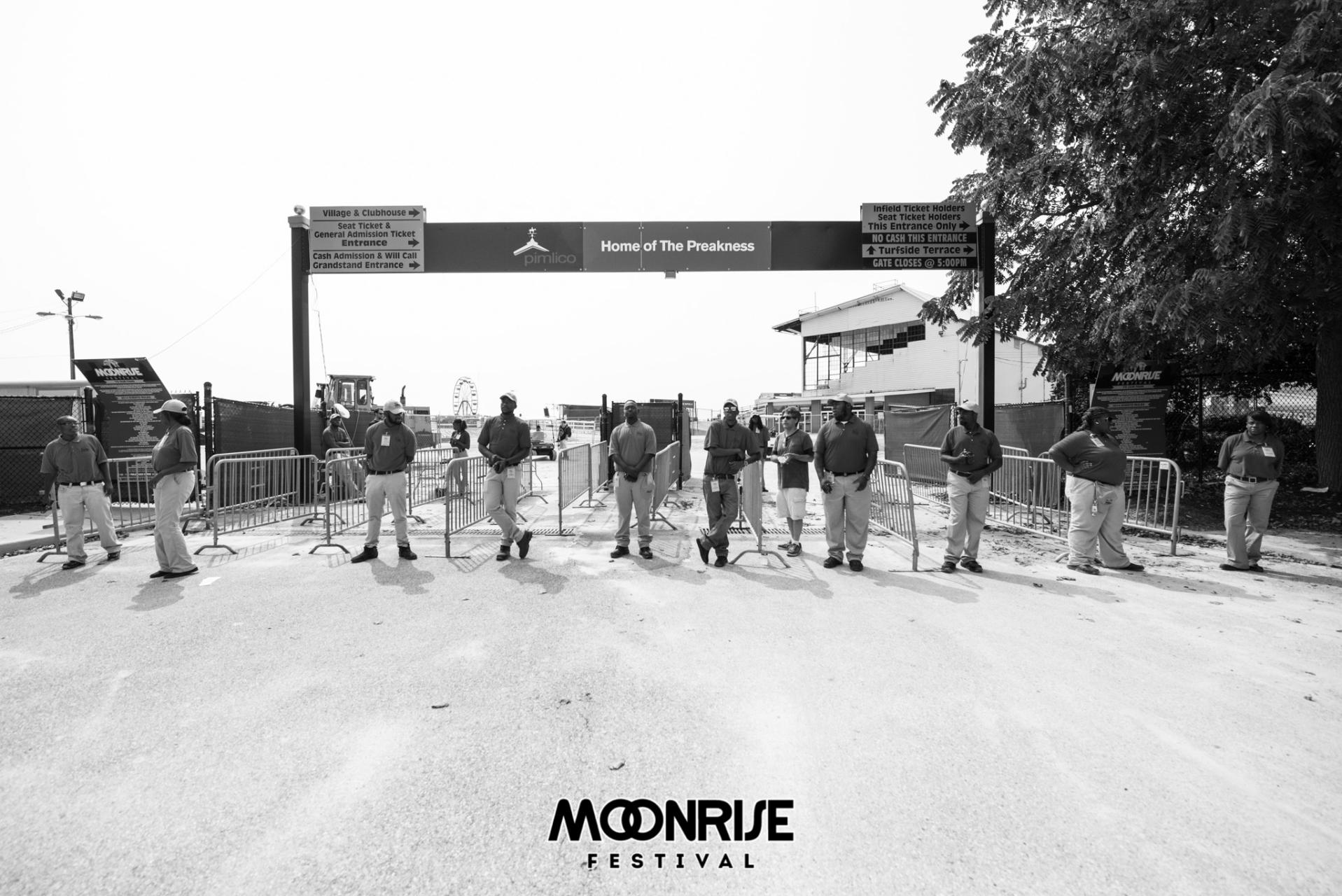 Moonrise_day1-1