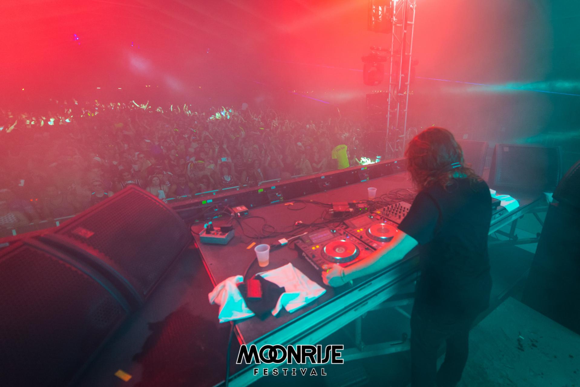 Moonrise_day1-94