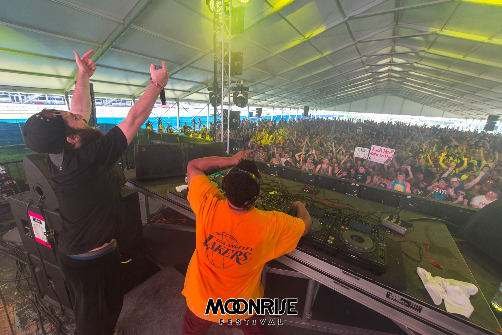 Moonrise_day2-90