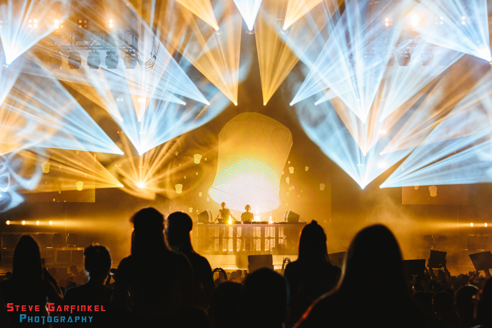 Above-Beyond_GARFINKEL-73