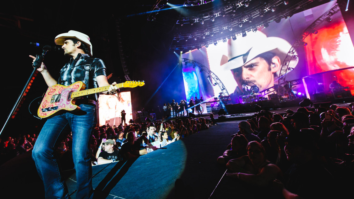 Brad Paisley at the Susquehanna Bank Center